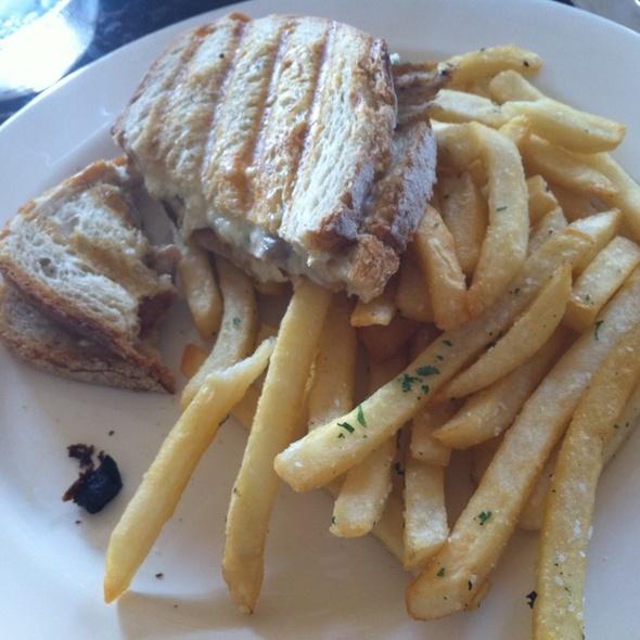 Portobello Grilled Chicken Sandwhich - XIX Nineteen, Philadelphia, PA
