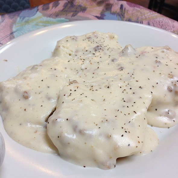 Biscuits & Gravy @ Sunrise Breakfast Shop