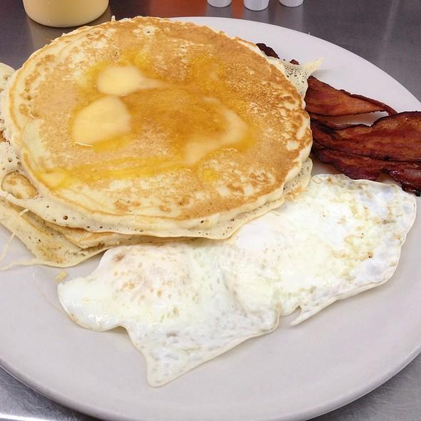 Waffle Or Pancake Combo