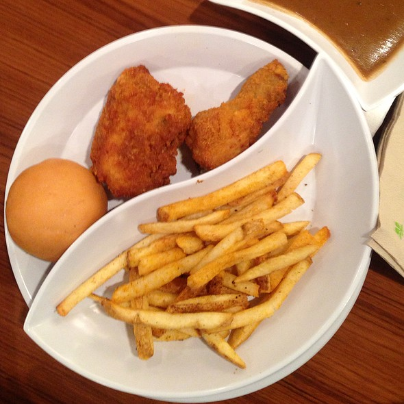 Southern Style Fried Chicken @ Food Court - Solaire Hotel & Casino
