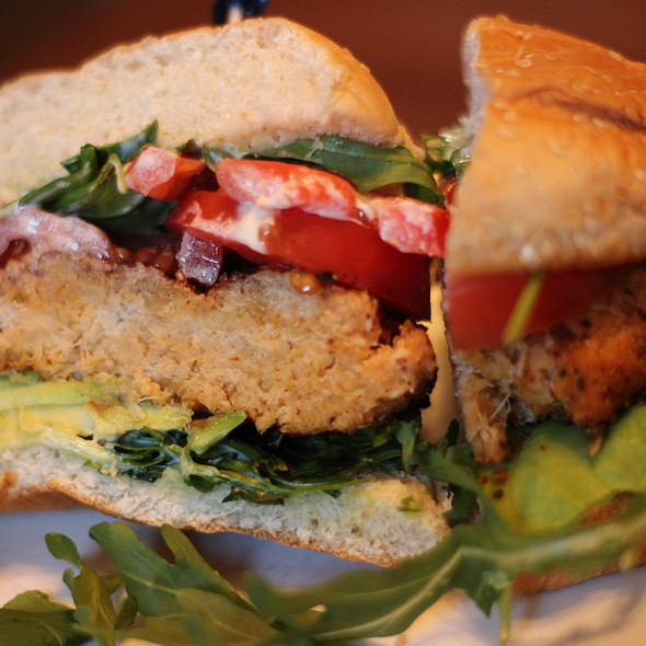Mesquite Rubbed Crabcake Sandwich @ The Ten Top