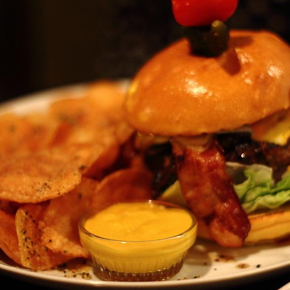 Signature Burger @ Second Street Restaurant