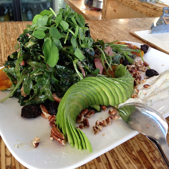 Dark Green Salad @ Encuentro Café & Wine Bar