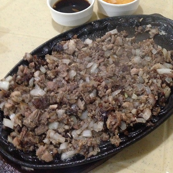 Sigsig of Pampanga @ Aling Lucing's Sisig