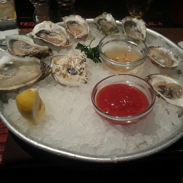 Oysters - Harry's Savoy Grill, Wilmington, DE