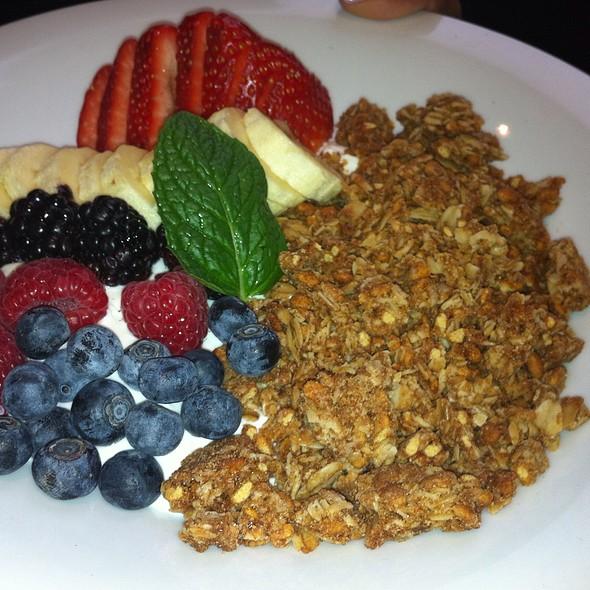 Granola With Fruit And Yogurt - Balaboosta, New York, NY