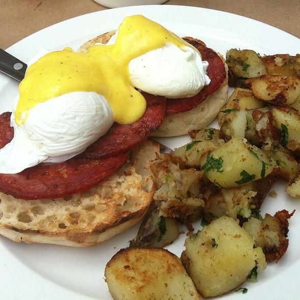 Chorizo Eggs Benedict @ Dizzy's