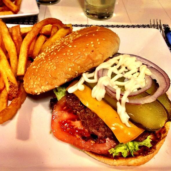 Hamburguesa Clásica @ La Burguesía