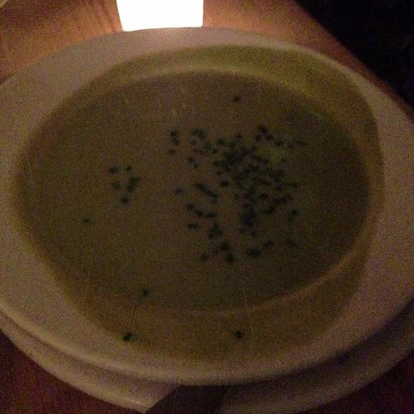 Fresh Pea Soup @ Suppenküche