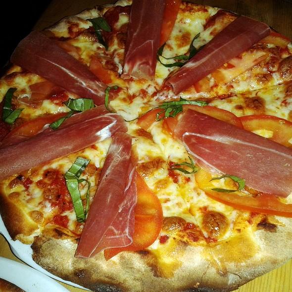 Juno Pizza @ Taberna Pompeyana