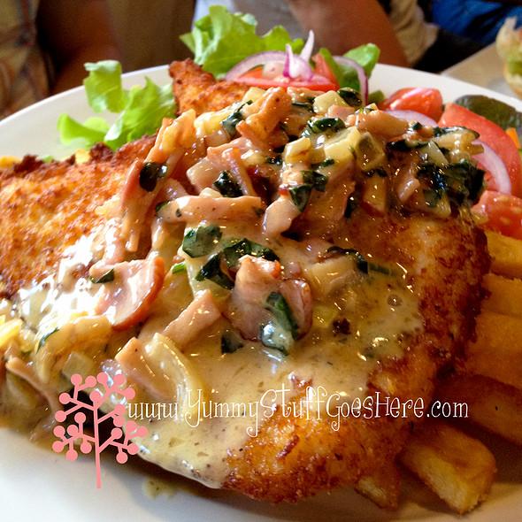 Chicken Schnitzel @ Victoria Hotel