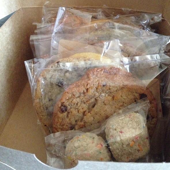 Assorted Cookies & Birthday Cake Truffles @ Momofuku Milk Bar