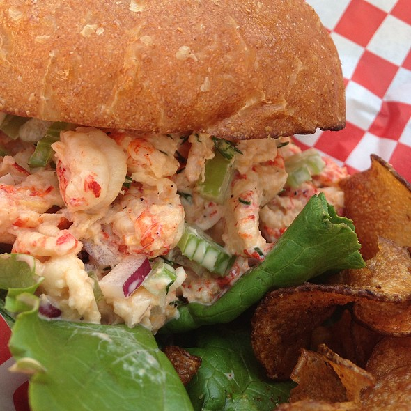 Crawfish Roll