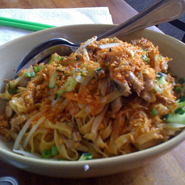 Duck Garlic Noodles @ Burma Superstar Restaurant