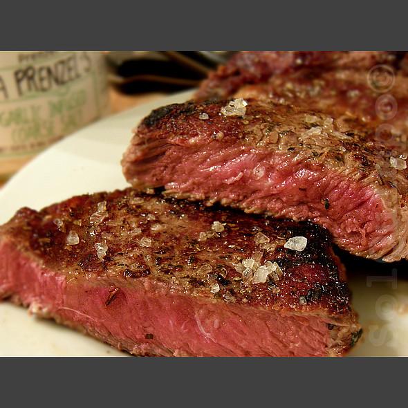 Rump Steak With Garlic-Infused Coarse Salt @ Home