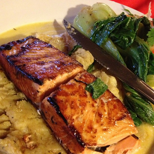 Grilled Salmon Wth Lemon Butter Sauce