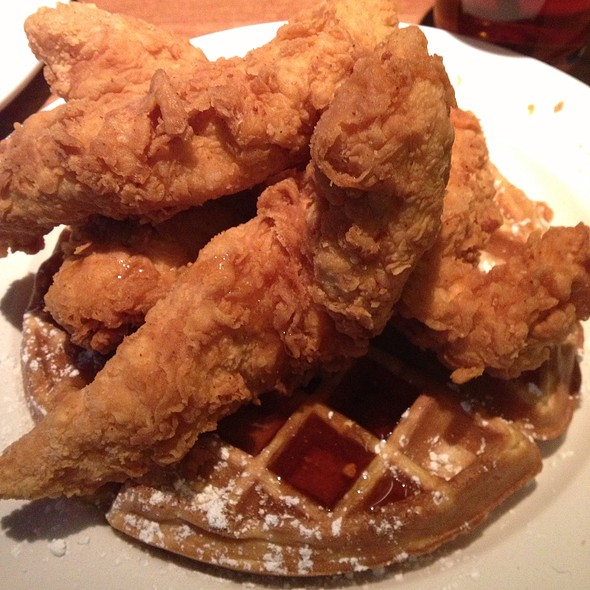 Chicken and Waffles @ Cheddar's Casual Cafe