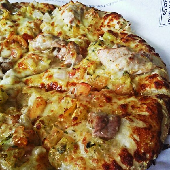 Corona Chicken Salsa @ Yellowcab Pizza