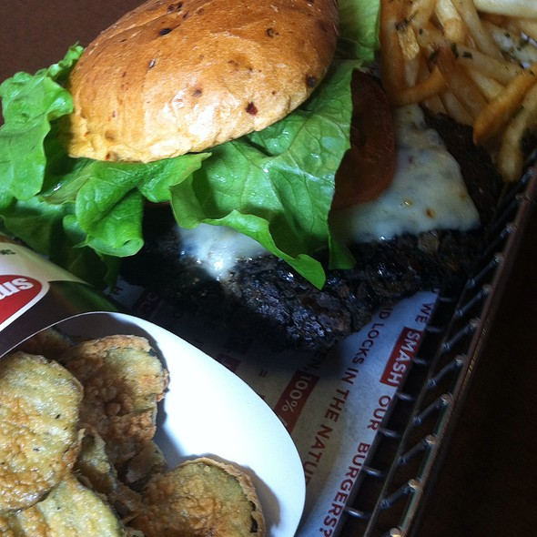 Spicy Black Bean Veggie Burger @ Smashburger