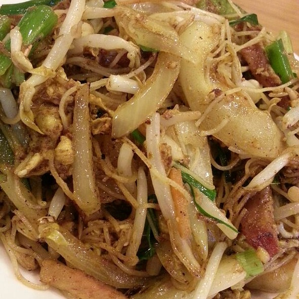 Singapore Rice Noodles @ Little Village Noodle House