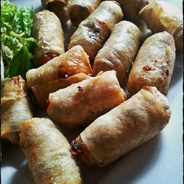 Vegetarian springrolls @ Queen Restaurant