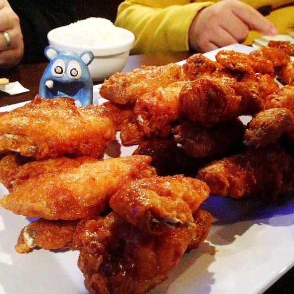 Soy Garlic Wings @ Bonchon