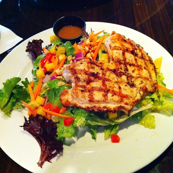 Asian Salad With Grilled Chicken - Catch Twenty Three - Tampa, Tampa, FL