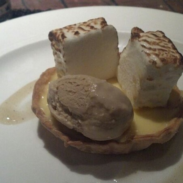 Lemon tart With Earl Gray Ice Cream