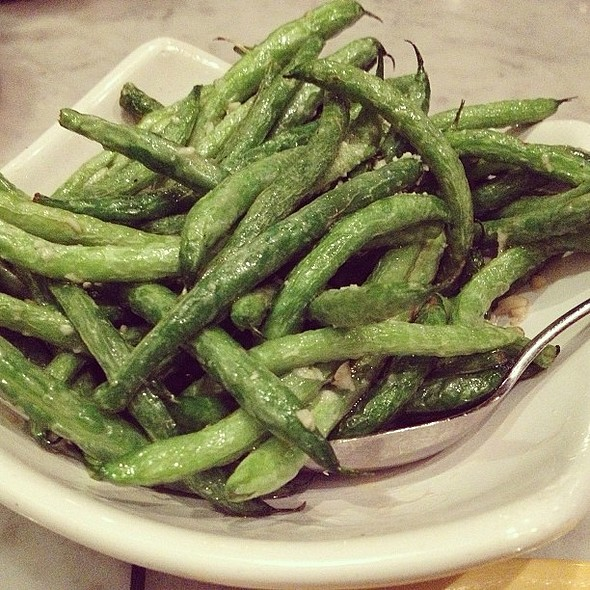 Garlic fried green beans. Who wants to make out? @ Tony's Pizza Napoletana