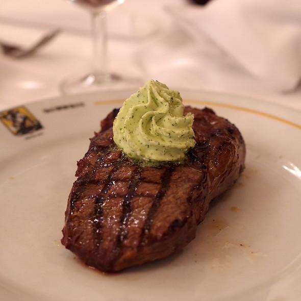 Faux filet de boeuf beurre maitre d'hôtel @ Brasserie Georges 1836