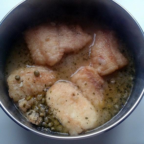 Hake in green sauce @ Churchilita solita