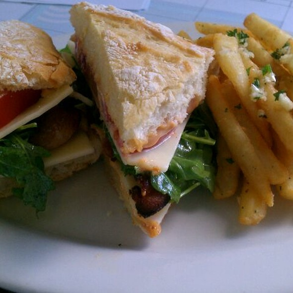 B.L.T. - Abalonetti Bar and Grill, Monterey, CA