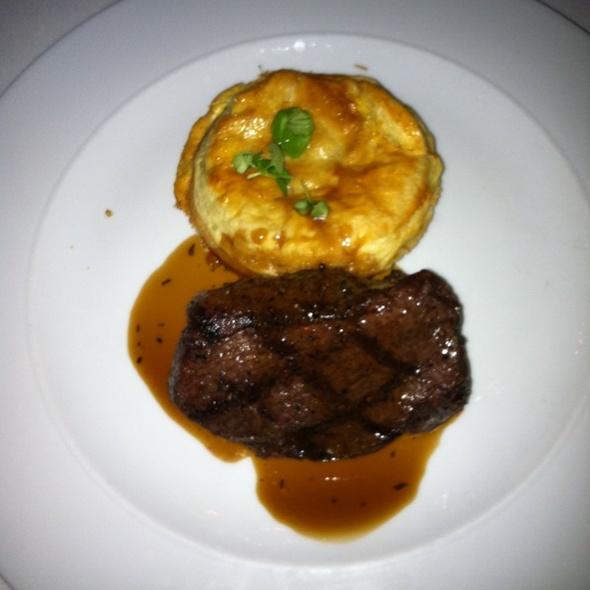 Steak And Vegetable Pot Pie - Far Niente, Toronto, ON