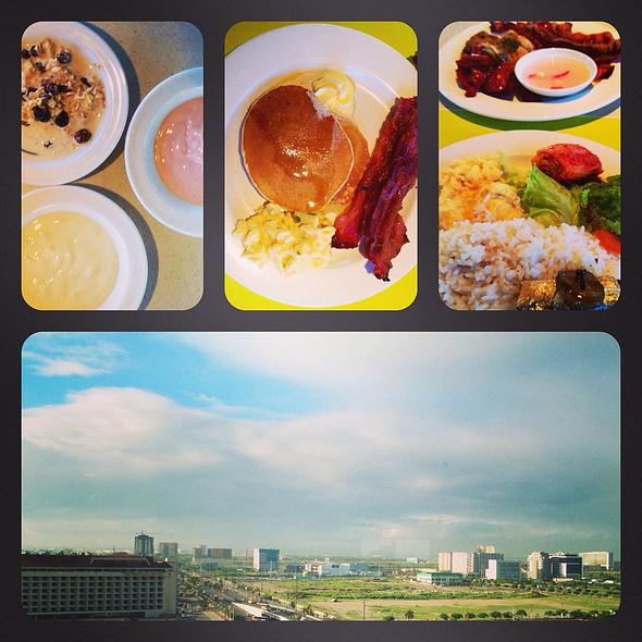 Breakfast Buffet @ Midas Cafe
