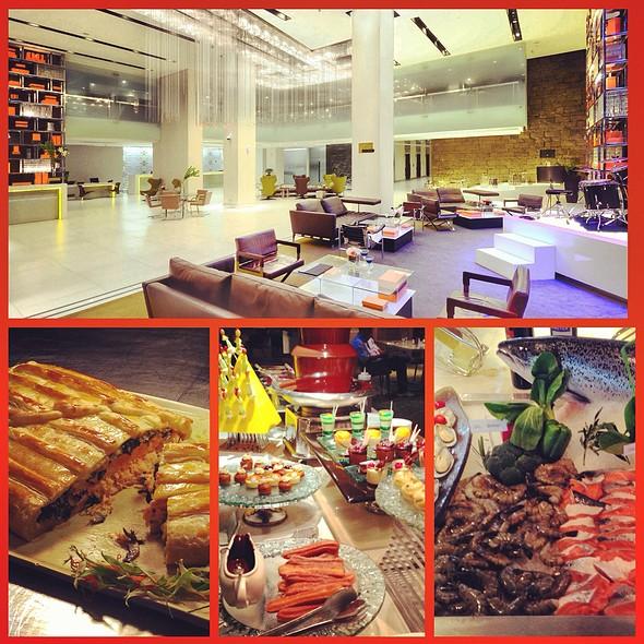 lunch buffet @ Midas Cafe