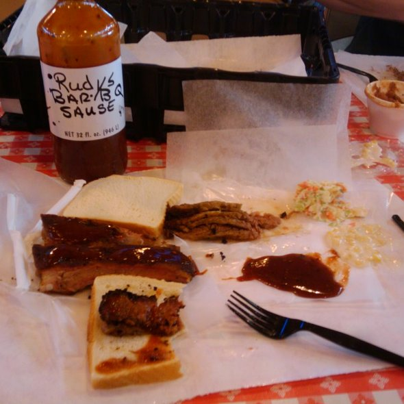 Beef Brisket Sandwich @ Rudy's Country Store & Bar-B-Q