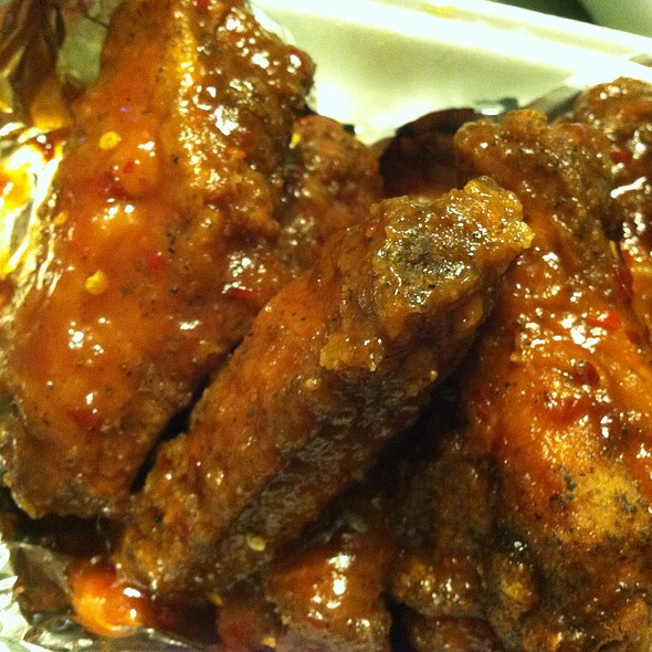 Jimbos Bbq Sauce Hot Wings @ Giovanna's Carry-Out