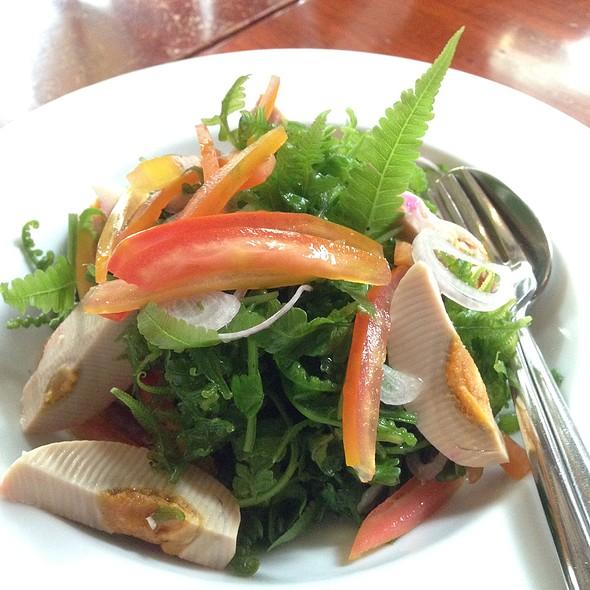 Pako Salad