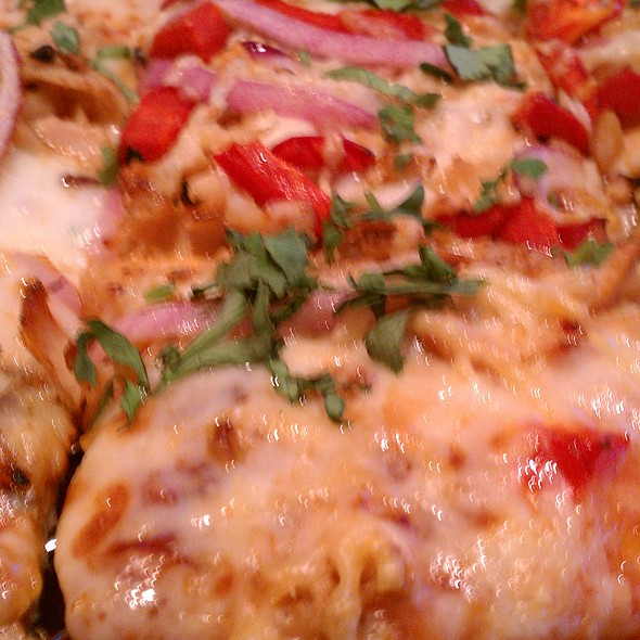 Applewood-spiced BBQ Chicken Pizza