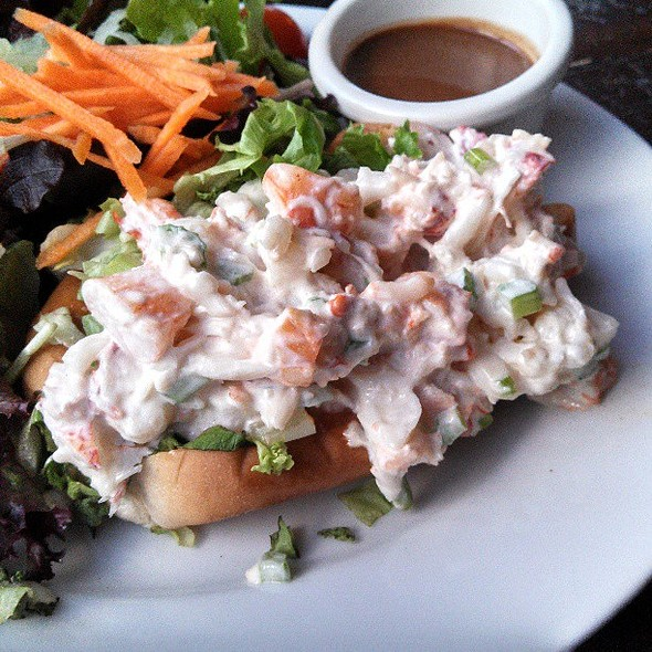 lobster roll @ Pearl Raw Bar
