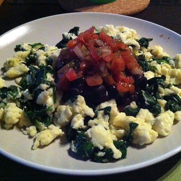 Egg Whites With Spinach, Black Beans, And Salsa @ Home