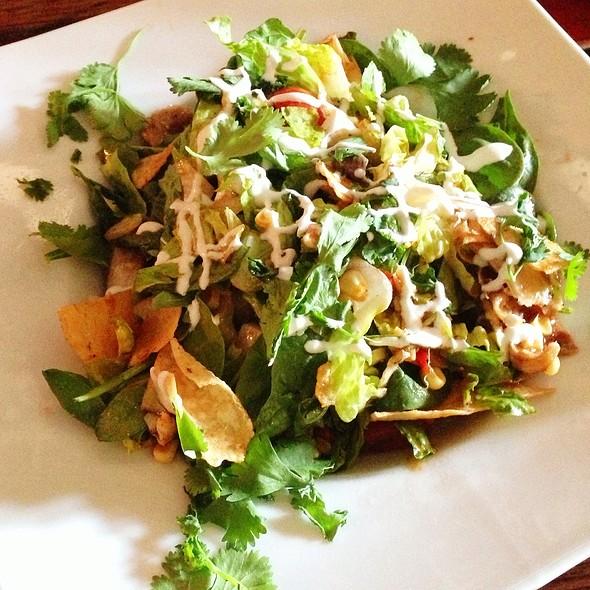BBQ Chicken Salad @ Neo
