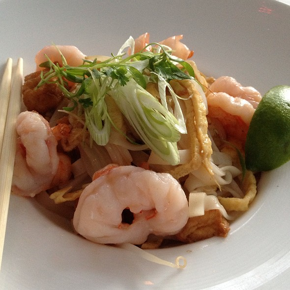 Pad Thai - Xi Shi Lounge, Shangri-La Hotel Vancouver, Vancouver, BC