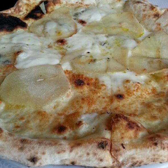 pera @ Terrone Pizza