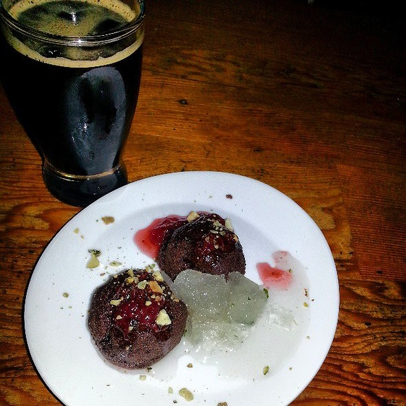 Oaxacan Chocolate Cornmeal Cookies, Toasted Nuts, Local Fruit Preserve, Mint paired with AleSmith Speedway Stout w/ Cinnamon and Cocoa Nibs (Cask)
