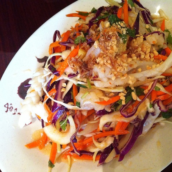 Vietnamese Mixed Seafood Coleslaw @ Anh Minh