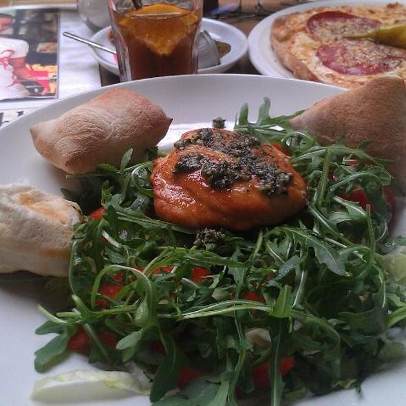 Chicken Salat @ Café Extrablatt