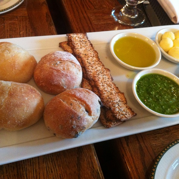 Bread Basket With Pesto, Hummus And Olive Oil @ NYSE Lunch Club