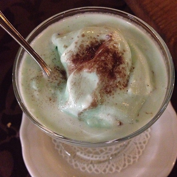 After Eight Ice Cream @ VICTOR Pub