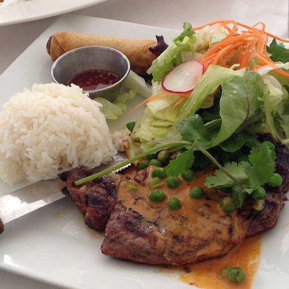 Rib Eye Steak A La Panang (8Oz) - Gindi Thai, Burbank, CA